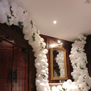 White waterfall balloon garland