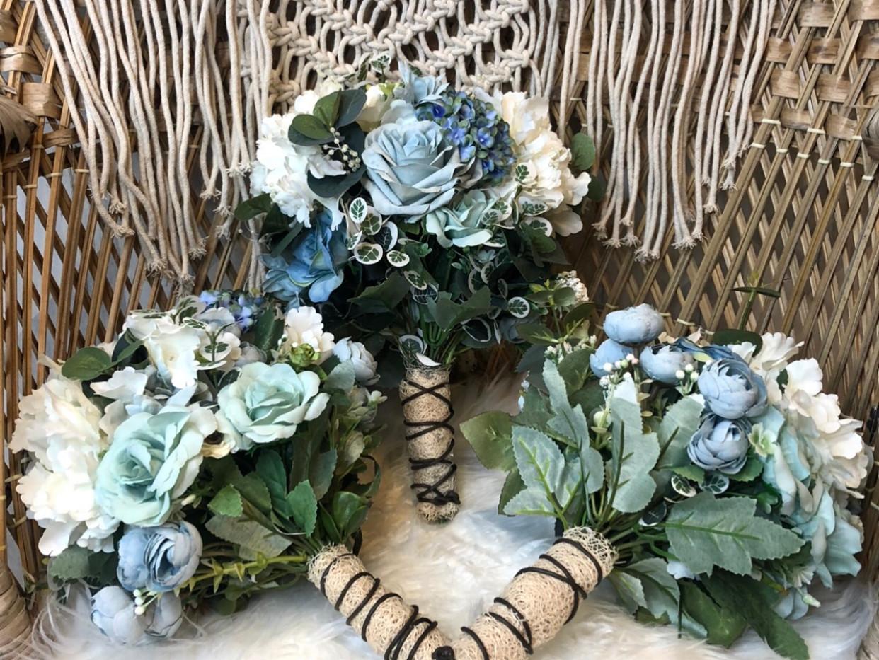 Blue bridal and bridesmaid