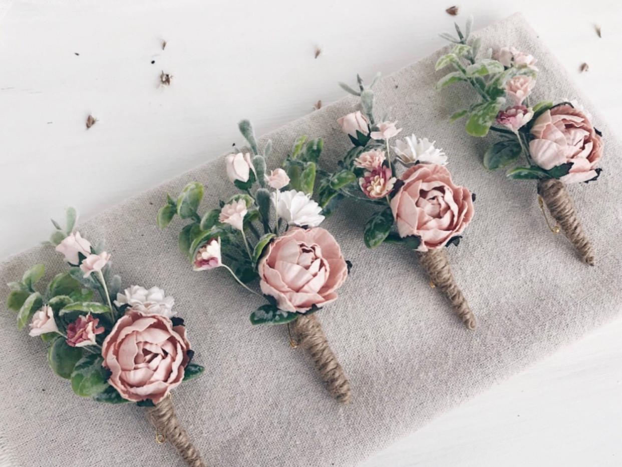 Pink buttonholes