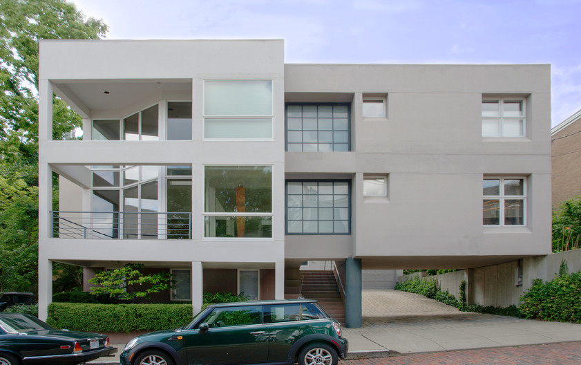 1131 Fort View Residence