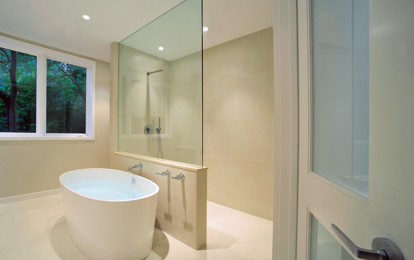 The Palisades Model Bath