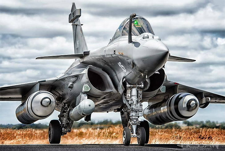 image of rafale aircraft.