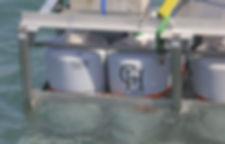 Immersion des cuves dans la baie de Saint Jean de Luz