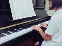 なんだか、急に焦る娘( _´艸`)  ふふ、がんばって♪  私は、娘の練習は基本