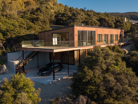 Wanaka Tree House - residential project with high architectural value