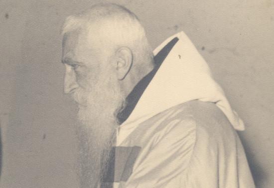 Monseñor Valdés en ceremonia religiosa, 1978