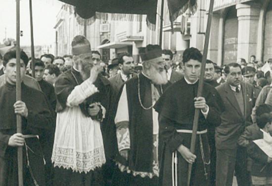 Procesión de bienvenida al nuevo obispo, 1956