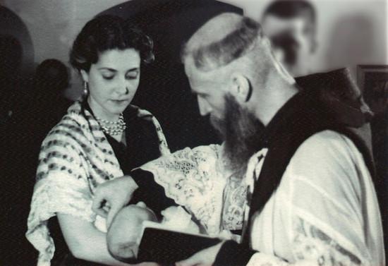 Ceremonia de Bautizo. Hacia 1953