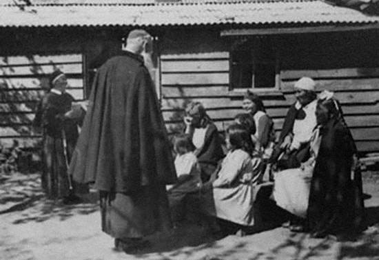 Visita a una comunidad mapuche, después de 1956