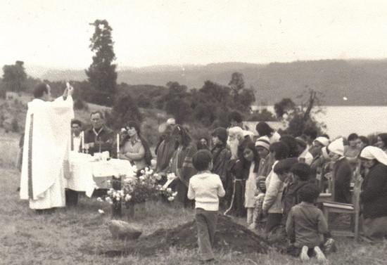 Ceremonia religiosa en Lago Rupanco