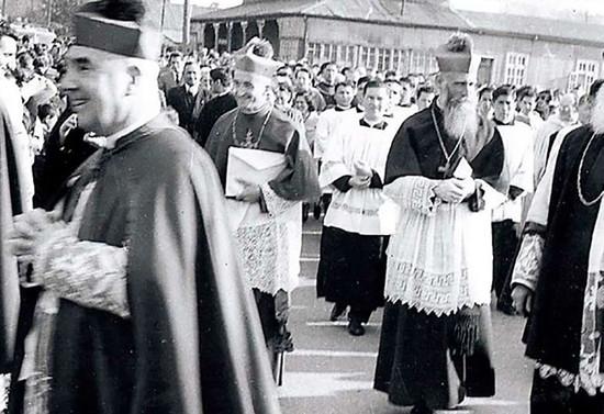 Recibimiento en Osorno a monseñor Francisco Valdés, 1956