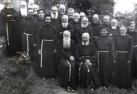 Ordenación del padre Efraín Hueichan Maitri. Hacia 1977
