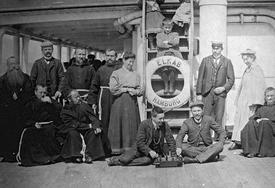 Capuchinos en viaje a Chile. 1897