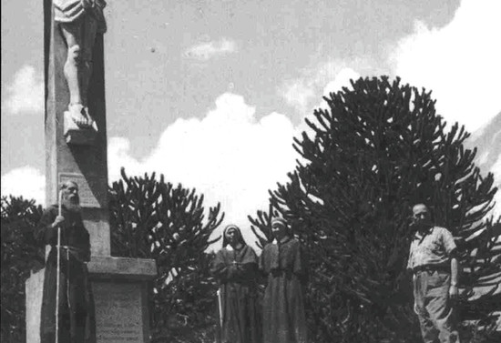 Bajo el Cristo del Tromen, después de 1954