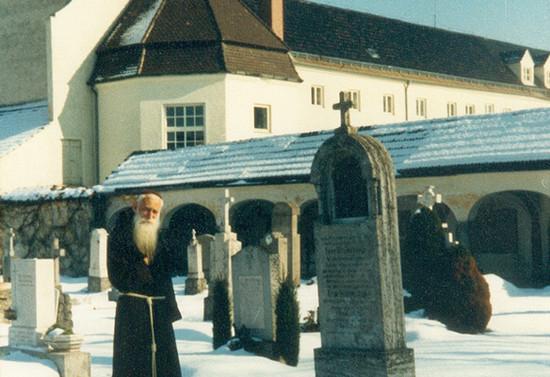 Cementerio del Convento Capuchino de Altötting en Baviera. 1981