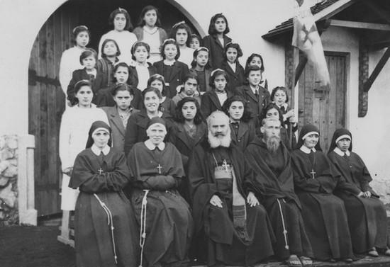 Escuela Misional Nuestra Señora de Fátima, Pucón. Hacia 1950