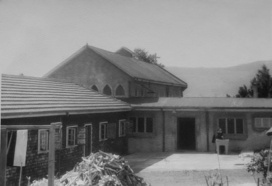 Monasterio Santa Clara de Pucón en construcción. Hacia 1958