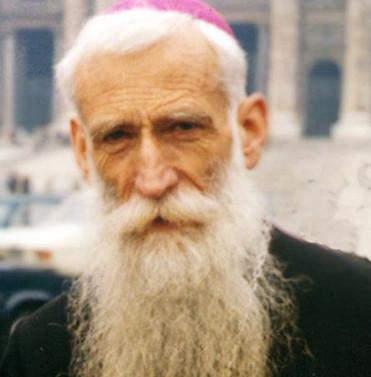 Monseñor Valdés en la Plaza San Pedro de Roma, hacia 1979