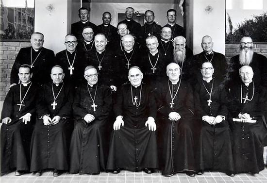 Reunión de la Conferencia Episcopal de Chile. 1956-1966