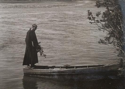Padre Francisco Valdés, joven misionero, después de 1937