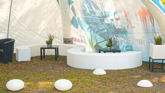 LED Sitzmöbel & Black Lounge