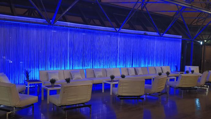 White Lounge Splitback