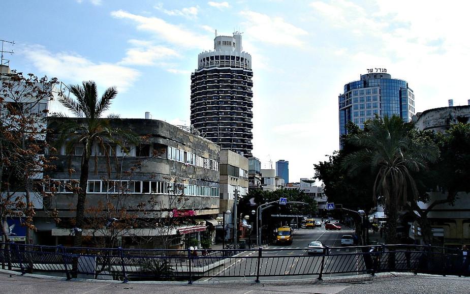 Dizengoff Street in Tel Aviv
