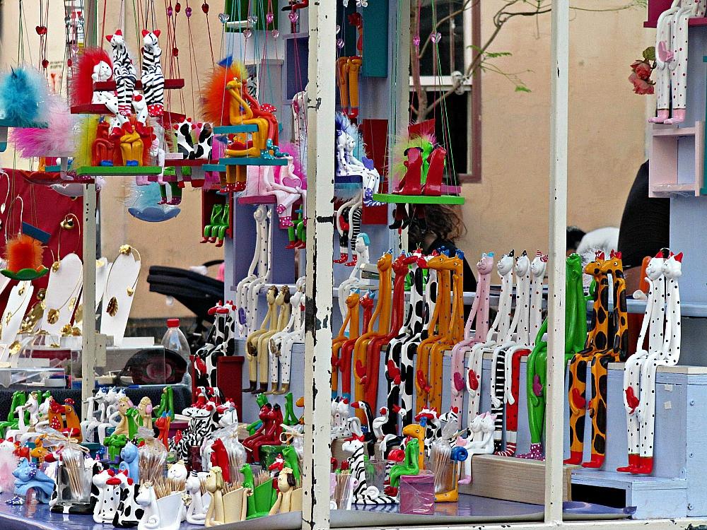 Nahalat Binyamin Art Market in Tel Aviv