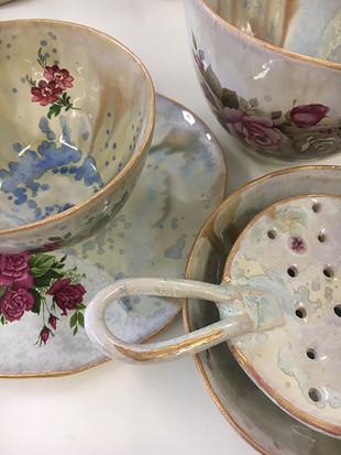 tea set with strainer