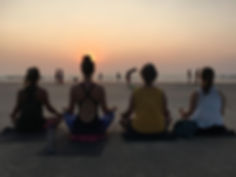 Meditation vid stranden.jpg