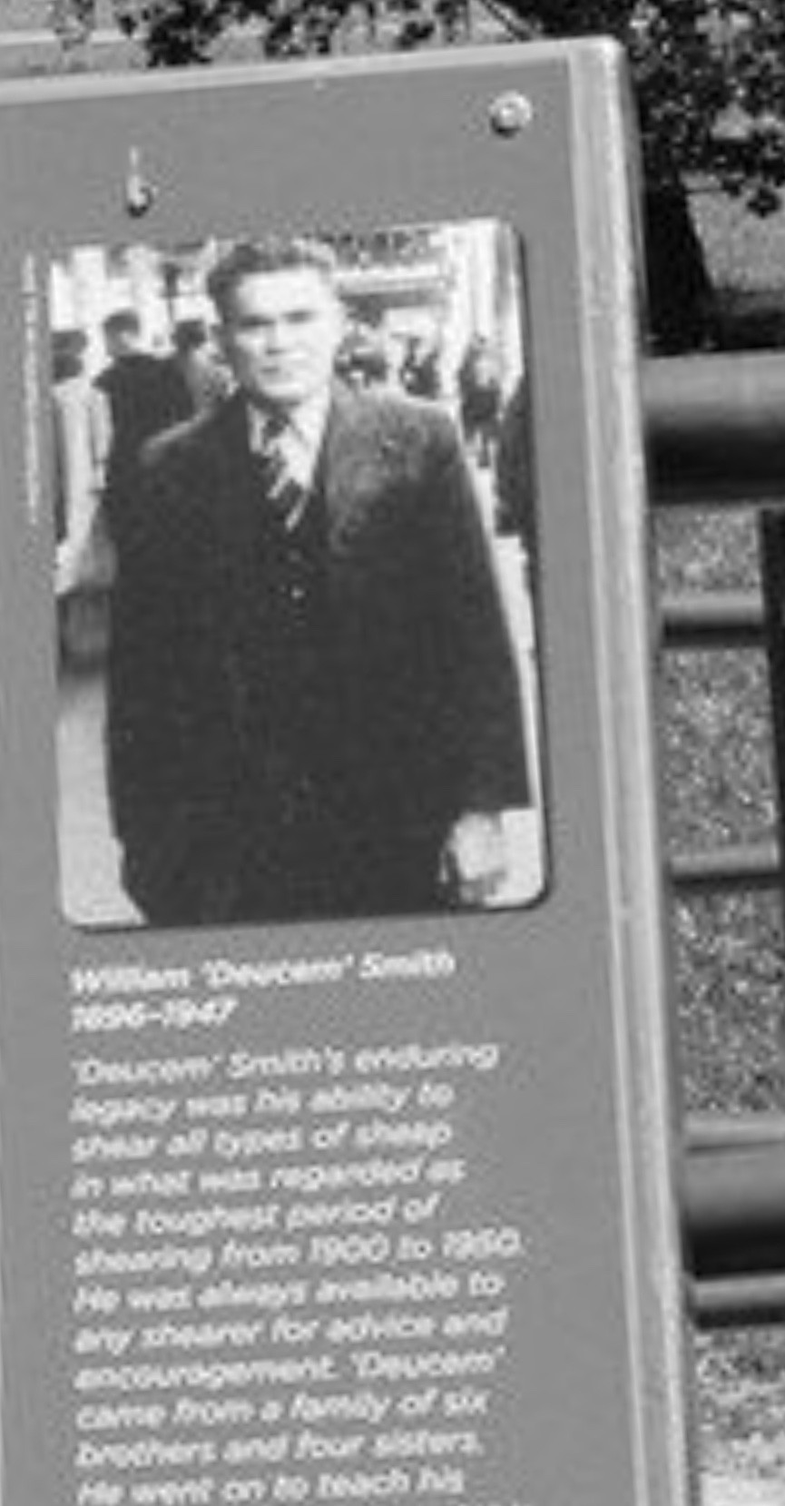 "The memorial of William ""Deucem"" Smith, An Indigenous Australian shearer and stockman"