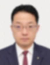 三津原庸介氏_顔写真_CMYK_350dpi.jpg