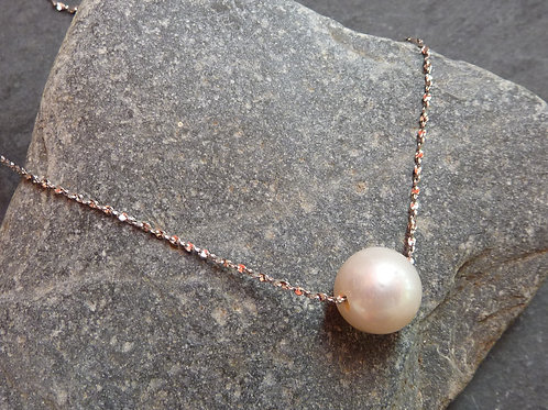 Single Pearl Necklace. Freshwater pearl on sterling silver chain.