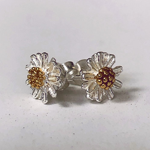 SIlver and gold vermeil Daisy flower stud earrings.