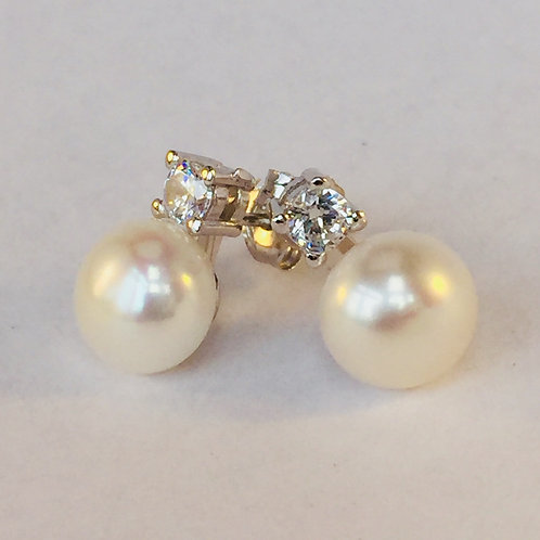 Sterling silver and freshwater pearl diamante stud earring