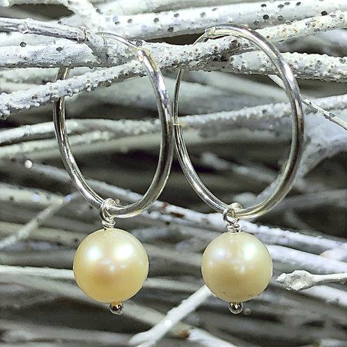 Freshwater pearl silver hoop huggie earring