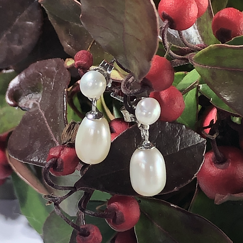 White Drop freshwater pearl. On sterling silver stud .