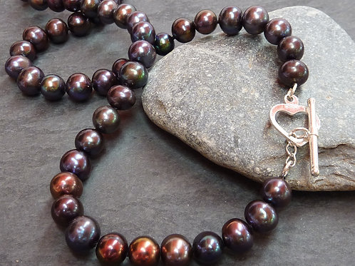 Freshwater pearl necklace with sterling silver heart toggle clasp