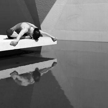 yoga-1313116_1920.jpg