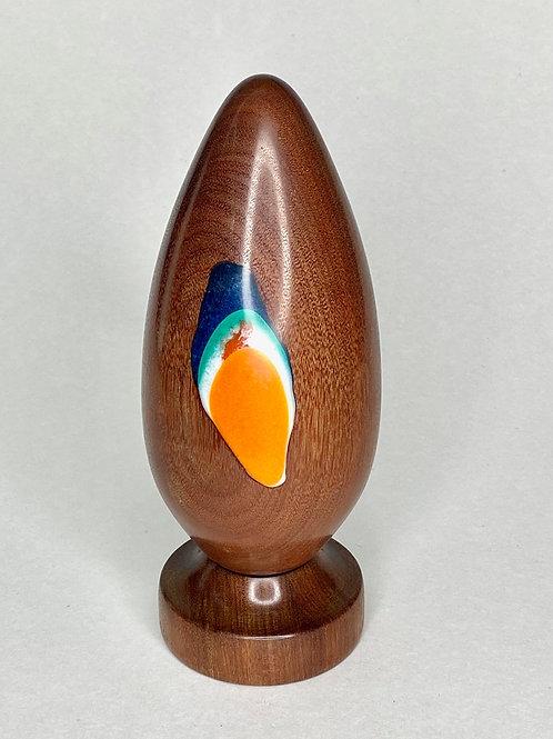 Яйцо из ценных пород дерева Орех