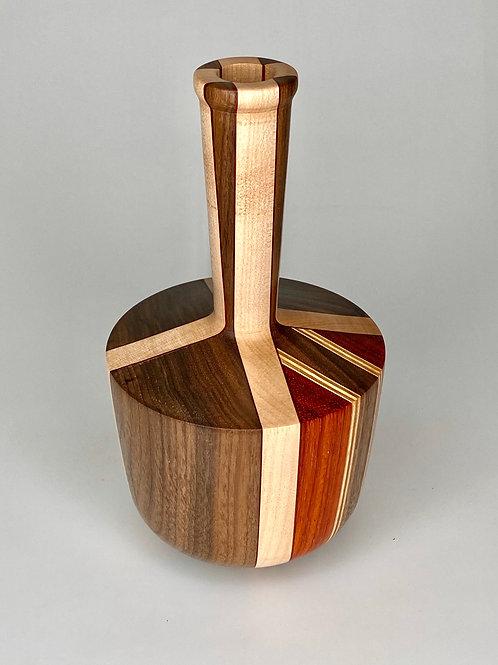 Деревянная ваза (Американский орех, Падук и Клен)