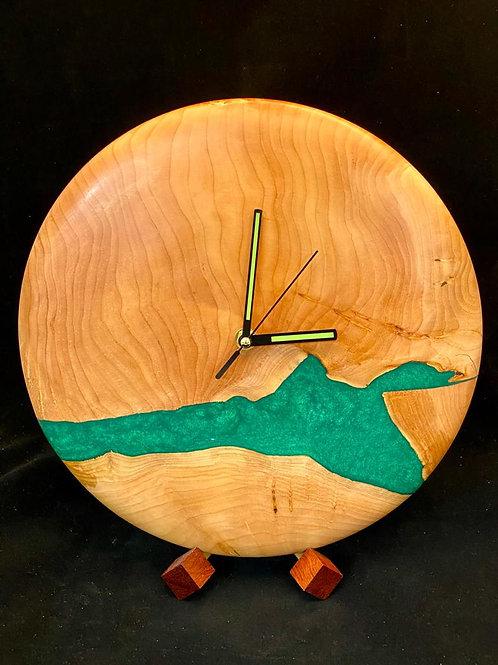 Часы из ценных пород дерева
