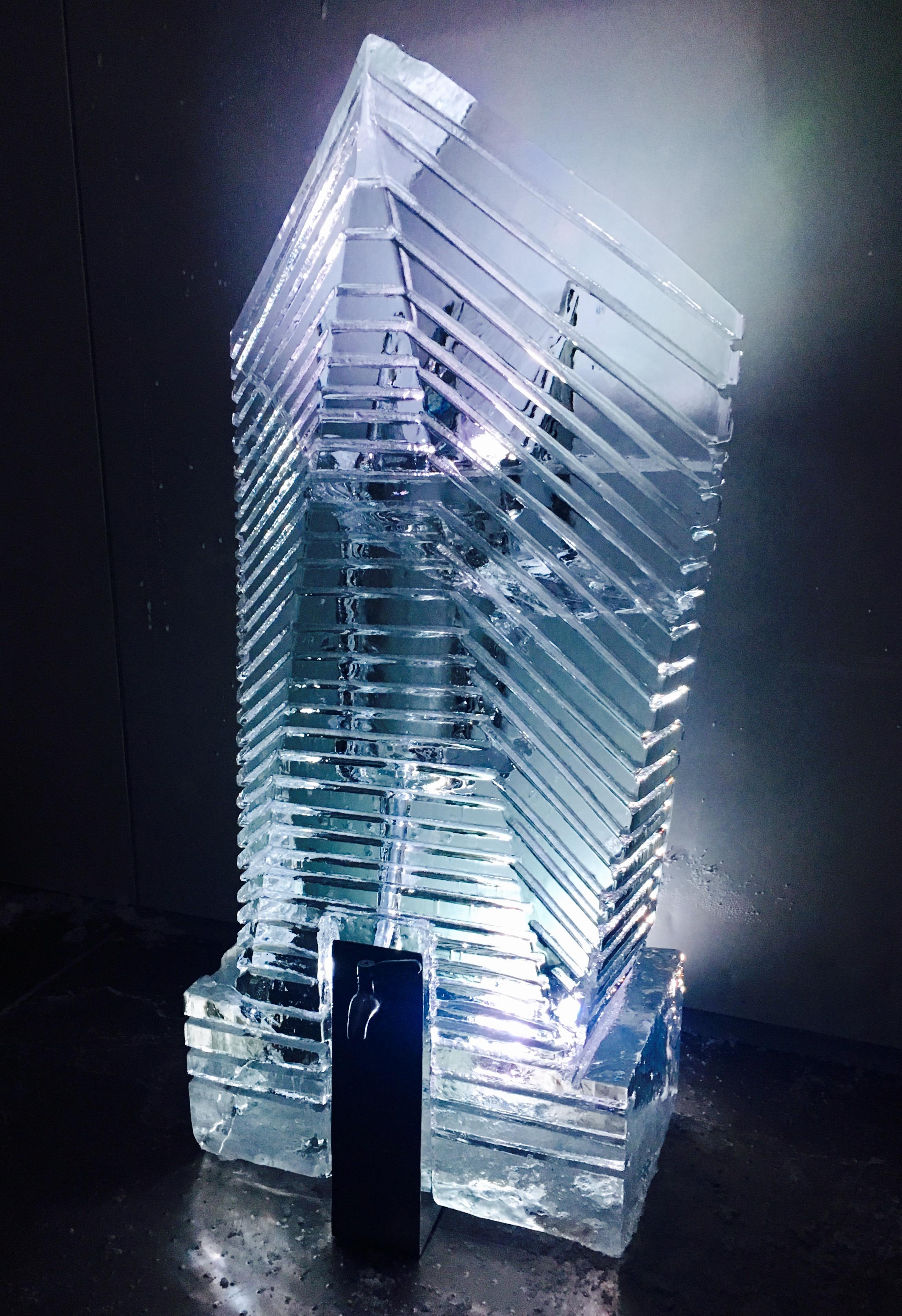 Fontaine en Glace avec Robinet, sculpture sur glace
