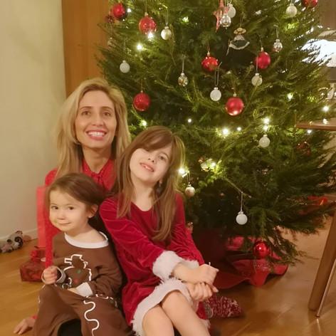 Claudia con sus hijas Yolanda y Emilia