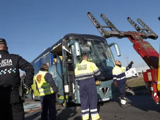 Las familias del accidente escolar denunciarán a la empresa del chófer de Fuenlabrada