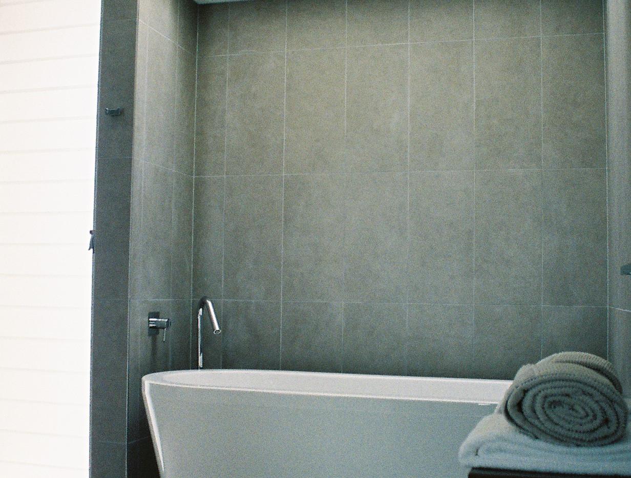 COSTA CONSTRUCT BATH 1.JPG