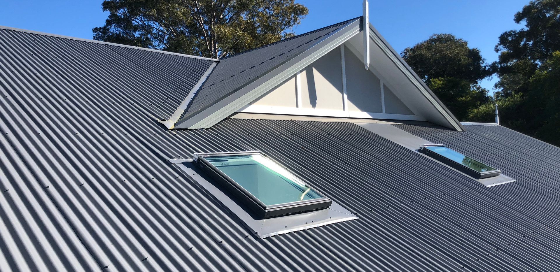 custom flashing M04's on a corry roof.jp