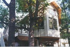 mn-minnetonka-treehouse-view_from_rear.j
