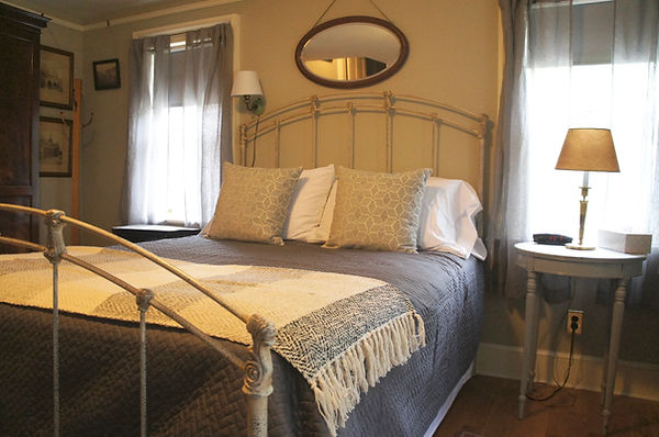 The Queen Size Iron Bed