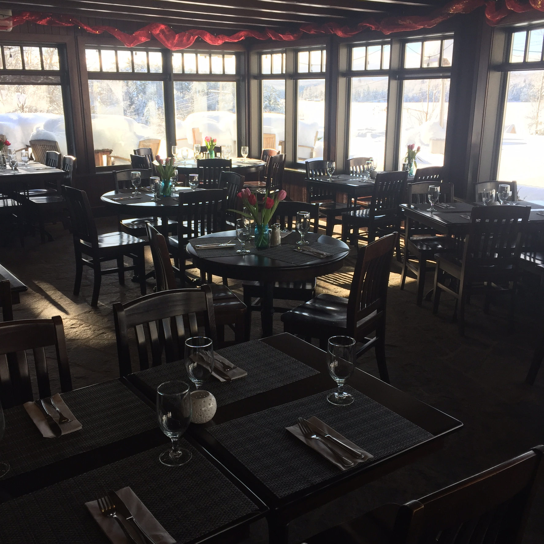 Crossroads restaurant dining tables